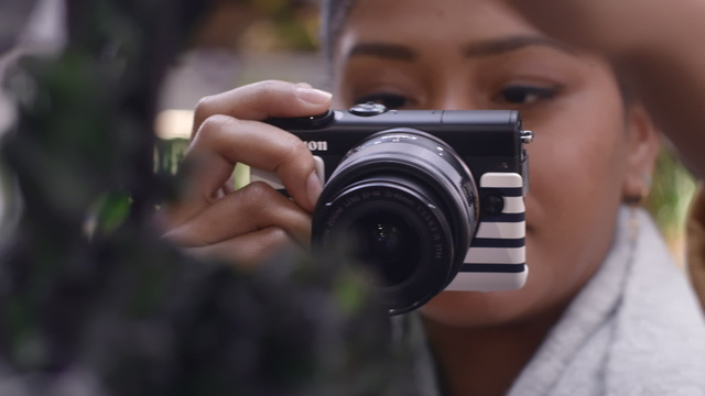 Canon - EOS M100 - Vlogger Tasha Green Video 7