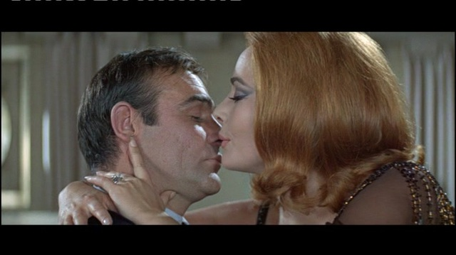 James Bond 007 - Man lebt nur zweimal Video 3