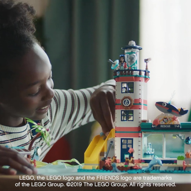 LEGO Friends - Leuchtturm mit Flutlicht 41380 Video 10