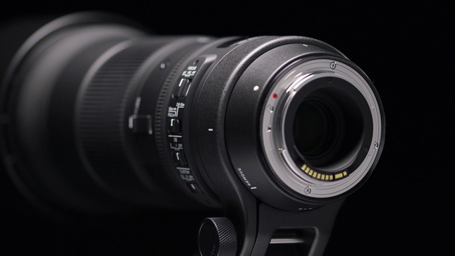 Sigma - Contemporary 150-600mm F5-6.3 DG OS HSM Video 3