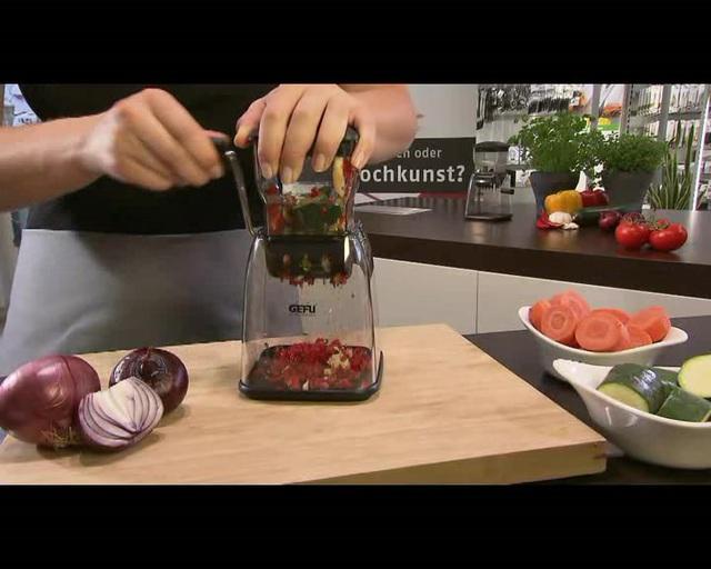 GEFU - Würfel- und Zwiebelschneider Cubico Video 3